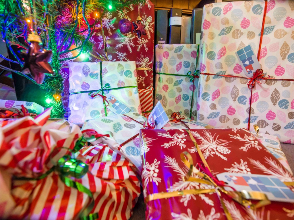 Christmas_presents_under_the_tree_(11483648553)