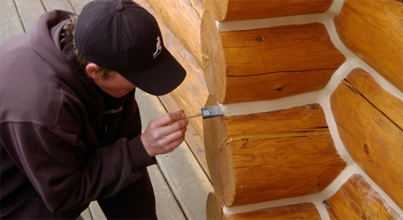 Why Log Cabin Chinking Material Needs To Be Elastic And